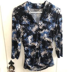 VINCE CAMUTO Abstract Print Blouse Size Medium